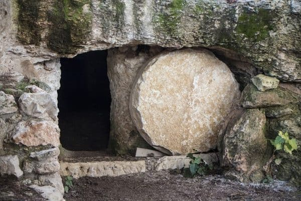 Picture of an empty tomb on the first Resurrection Day